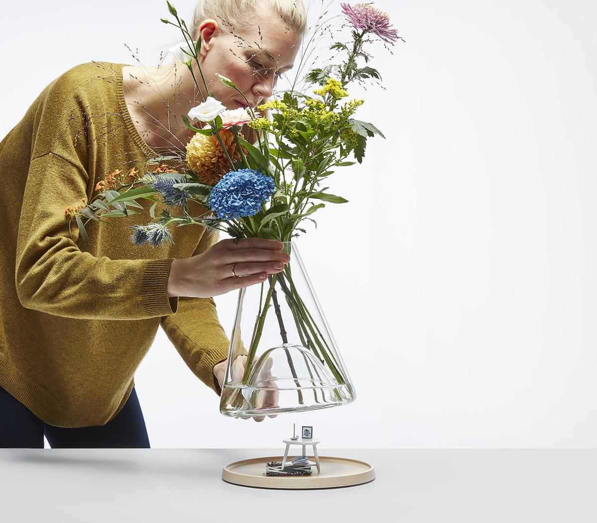 Bell-jar vase Small | Ontwerpduo.nl on jar art, jar lamp, white flowers in vase, jar box, jar candles, jar decorations, jar small vase, blue flowers in a vase, jar chandelier, jar lights, jar flower centerpieces,